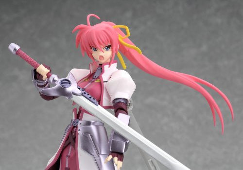 Image 7 for Mahou Shoujo Lyrical Nanoha StrikerS - Signum - Figma #039 - Knight Armor Ver. (Max Factory)