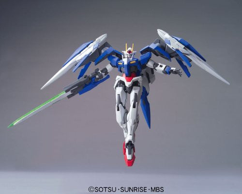 Image 2 for Gekijouban Kidou Senshi Gundam 00: A Wakening of the Trailblazer - GN-0000RE + GNR-010 00 Raiser GN Condenser Type - HG00 #70 - 1/144 (Bandai)