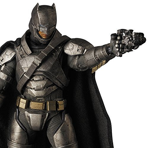 Image 6 for Batman v Superman: Dawn of Justice - Batman - Mafex No.023 - Armored (Medicom Toy)