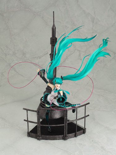 Image 2 for Vocaloid - Hatsune Miku - 1/8 - Love is War (Good Smile Company)