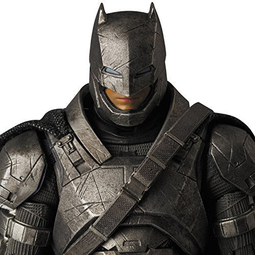 Image 7 for Batman v Superman: Dawn of Justice - Batman - Mafex No.023 - Armored (Medicom Toy)