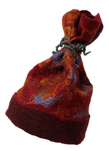 "Load image into Gallery viewer, Nuno / Wet Felted 22"" Med Hat"