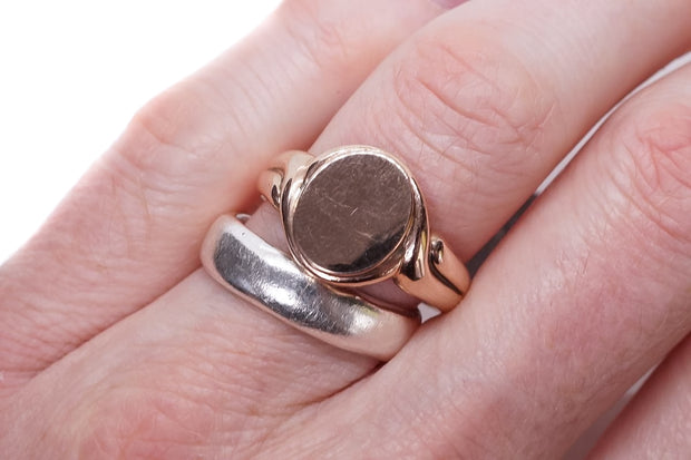Antique Solid Gold Signet Ring