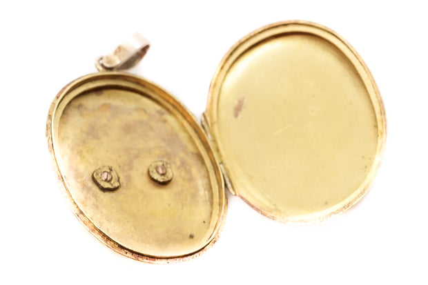 Victorian 15k Gold Double Horse Shoe Locket