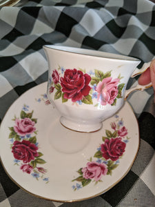 Queen Anne of England teacup w/ Saucer