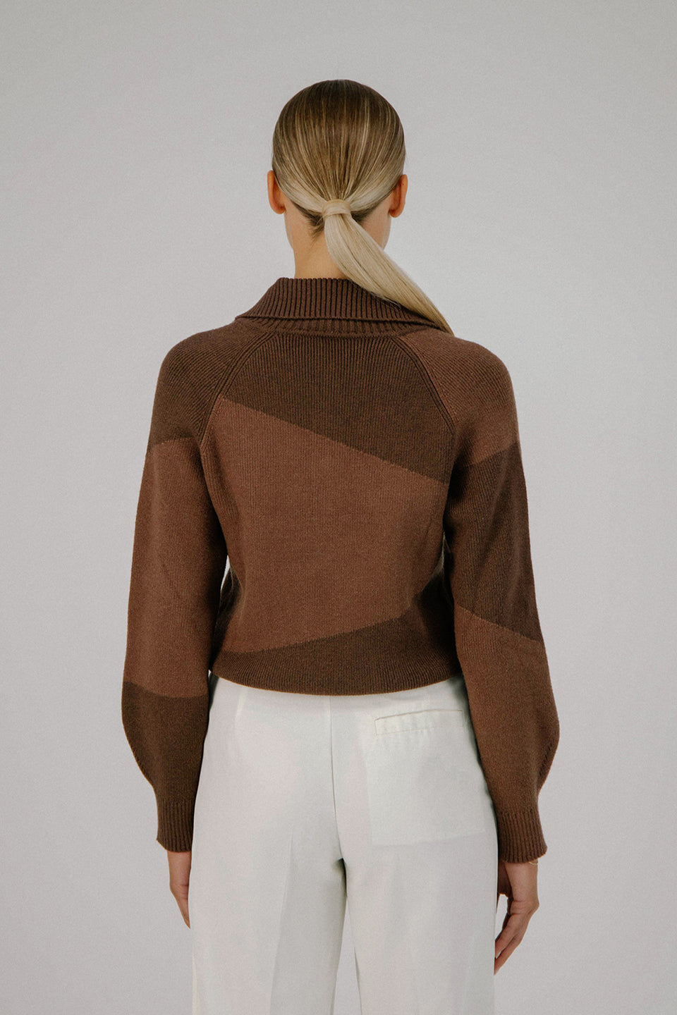 DECONSTRUCTED KNIT SWEATER TWO-TONED BROWN