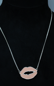 H&M silver and pink long kiss necklace