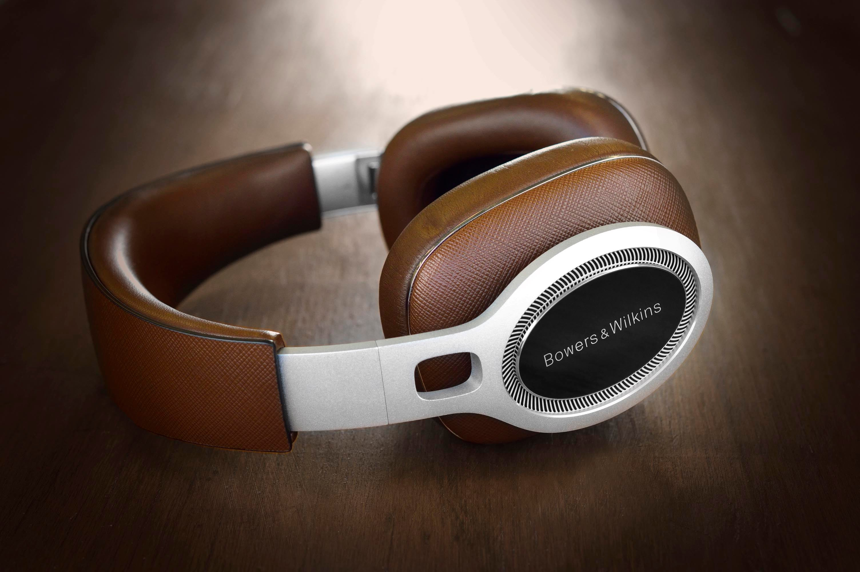 Bowers And Wilkins P9 signature