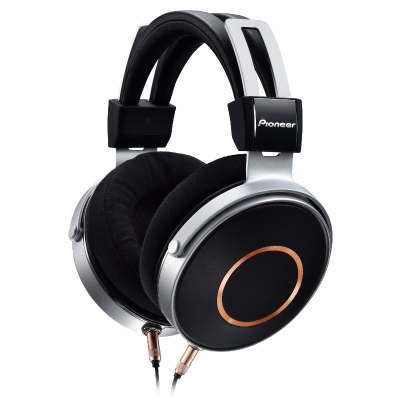 Pioneer SE-MONITOR5 Closed Back Headphones with Detachable Cable - Open Box