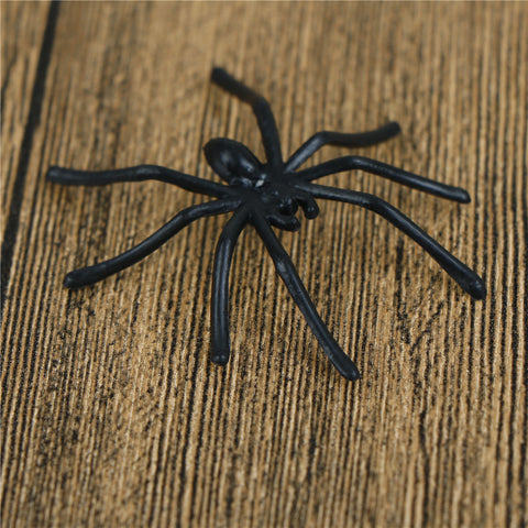 30 Pack Of Small Black Or White Spiders