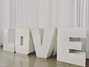 LOVE   Sign / Table