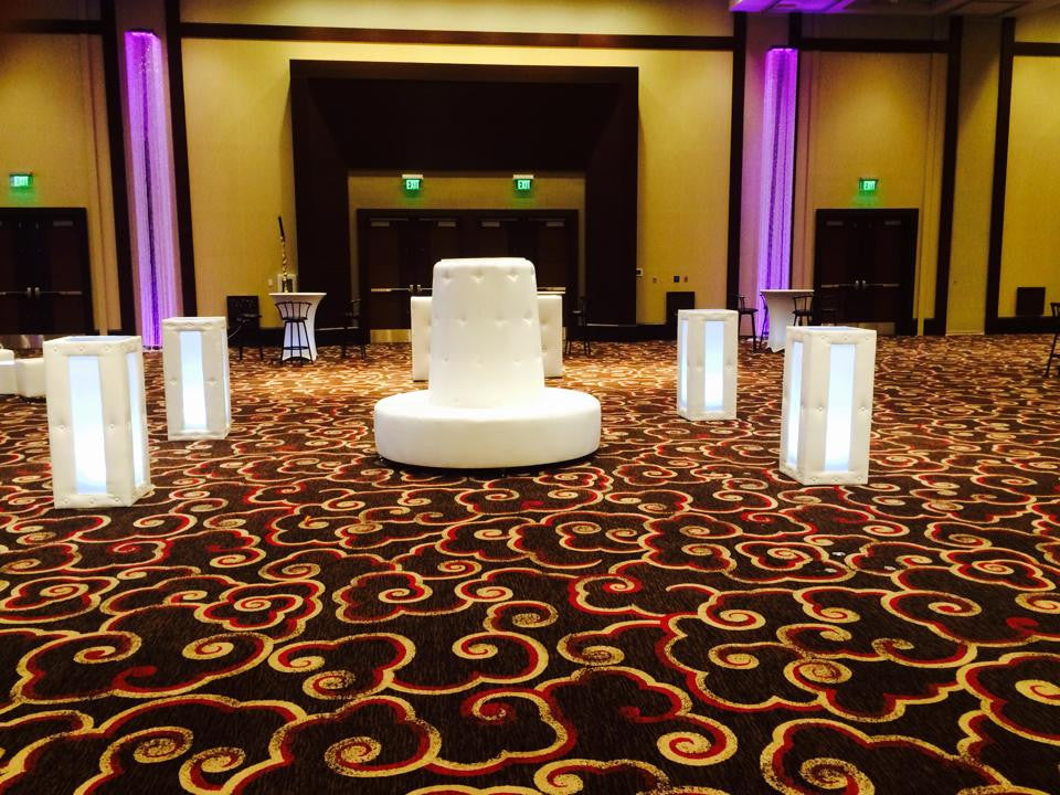 $500   Set 4 Lighted Cocktail Tables & 1 Tufted Round  Island / 10-14 People