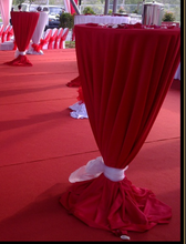 "Load image into Gallery viewer, ONLY  RED Tablecloth 132"" and BLACK tie"
