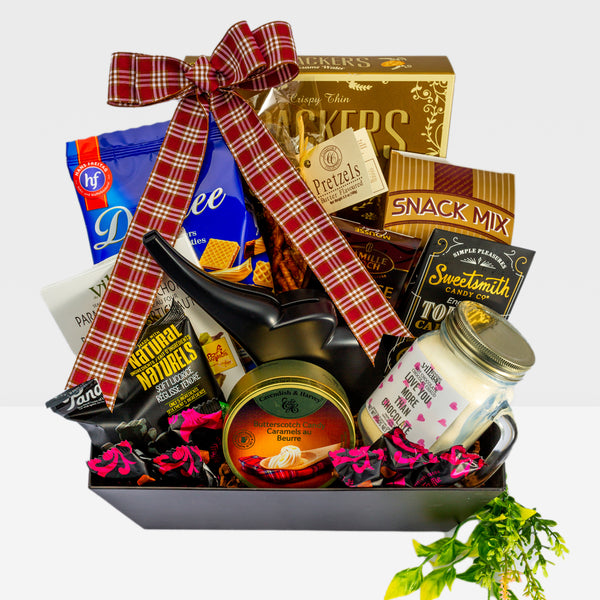 Gourmet food & snacks in this gift basket from Dazzle Basket makes for a perfect gift