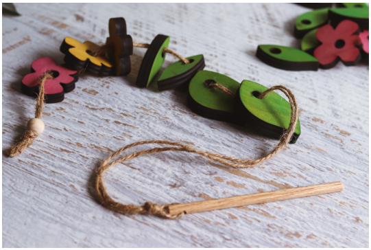 Leaves and Flowers Threading Set - Toydler
