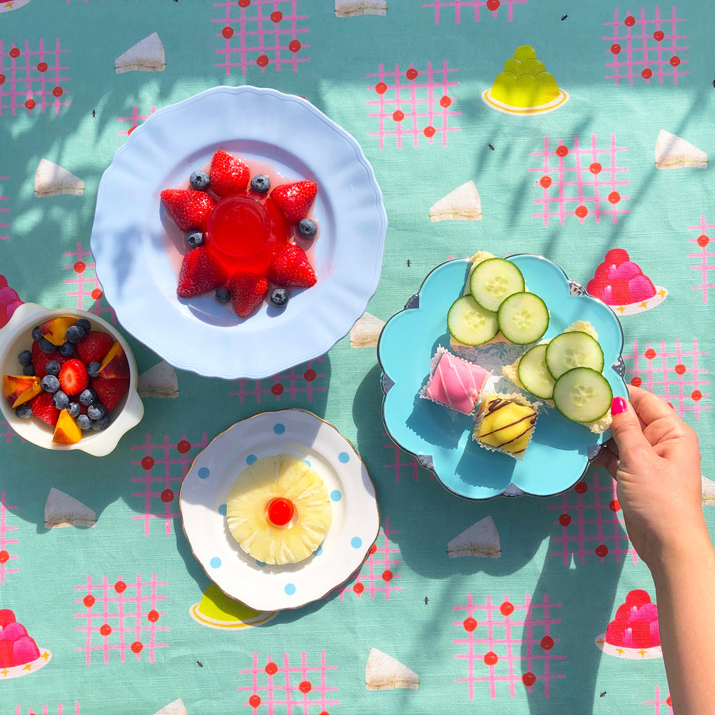 How to have a quick and easy retro birthday tea party
