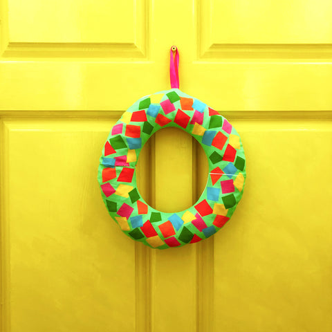 Colourful-DIY-Fabric-Christmas-Wreath-Decoration