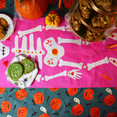 Halloween-At-Home-Table-Runner-Tablecloth