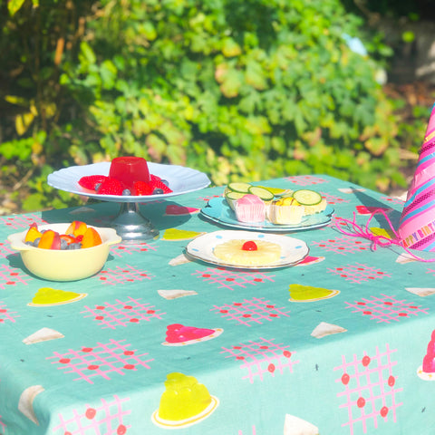 retro-tea-party-jelly-tablecloth