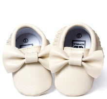 Load image into Gallery viewer, Baby Bow Moccasins (Limited Edition) - shopbabyitems