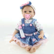 Load image into Gallery viewer, Lovely Handmade Newborn Baby Girl Simulation Reborn Doll Silicone Bathing Toy - shopbabyitems