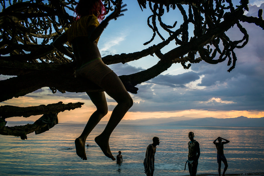 On the shores of Lake Kivu, at the border of DRC & Rwanda.  Photographer: Michael Christopher Brown