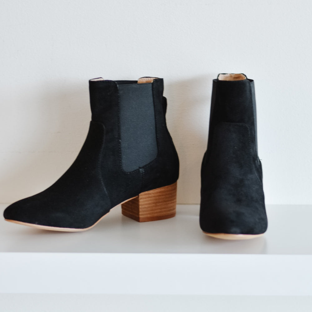 Holly Suede Boot (Black)