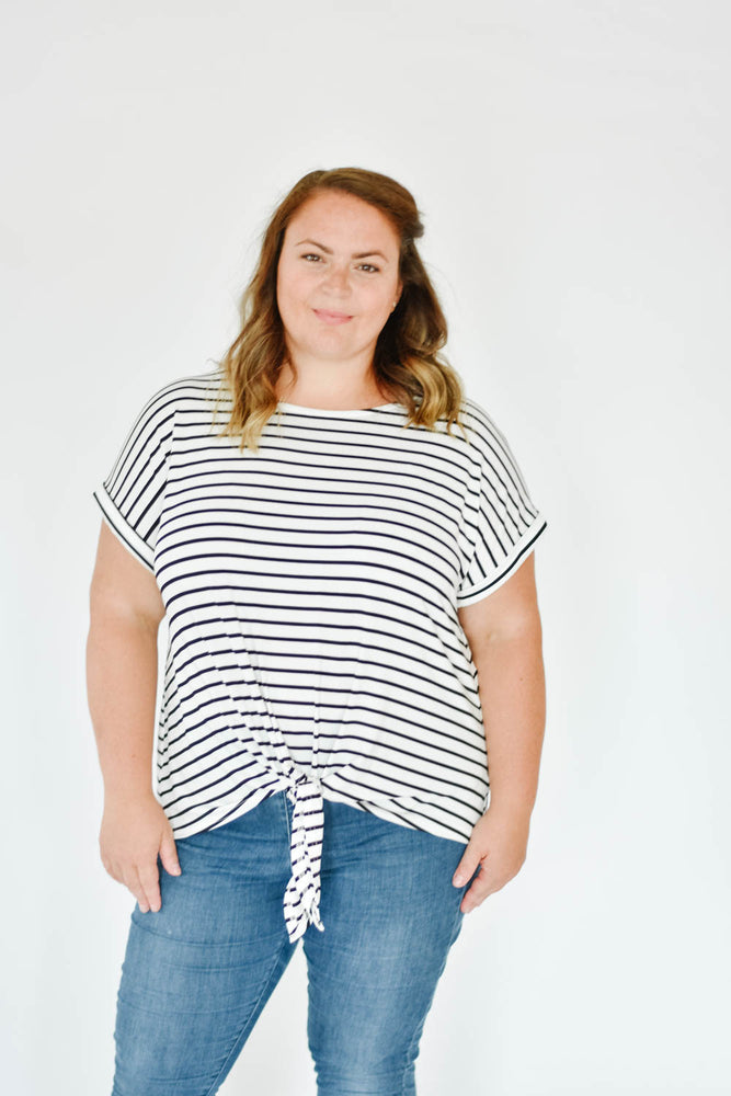 Curve-Nautical Knot Tee (Black)