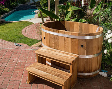 #3060 Oval Cedar Cold Tub