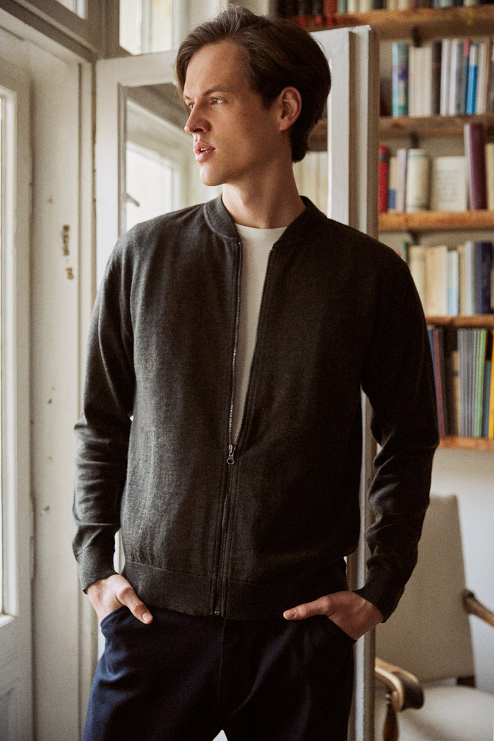 Theodor cardigan in merino black