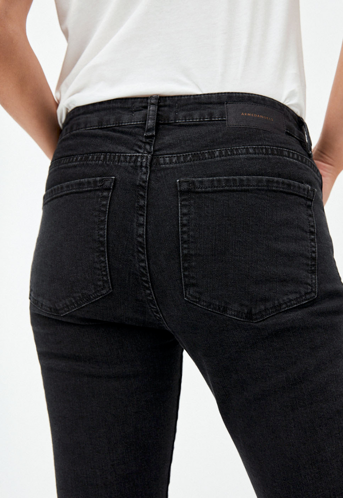Tillaa mid waist skinny fit denim in washed down black