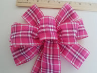 "Small 5-6"" Hand Made Wired Pink & White Plaid Bow"