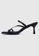 Load image into Gallery viewer, Curse Square Toe Heels (Black)