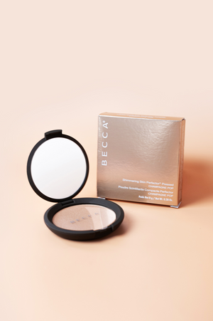 BECCA Shimmering Skin Perfector Pressed Highlighter Champagne
