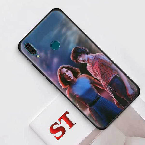 Coque Huawei Stranger Things® Mike & Eleven