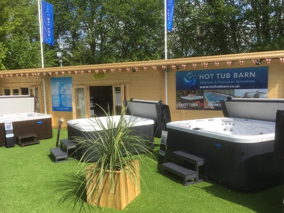 Hot Tub Barn showroom in Cambridge - Front view