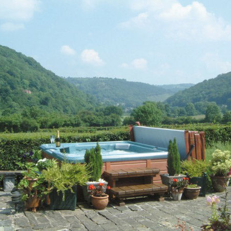 Hot Tub Photo - Llangollen