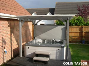 Colin Taylors hottub, semi inground