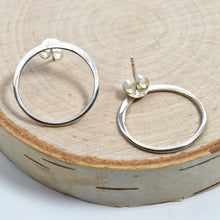 Load image into Gallery viewer, Sterling Silver Circle Post Earrings -- EF0005