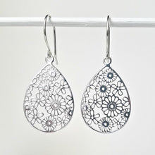 Load image into Gallery viewer, Sterling Silver Cut-Out Teardrop Flower Earrings -- EF0063