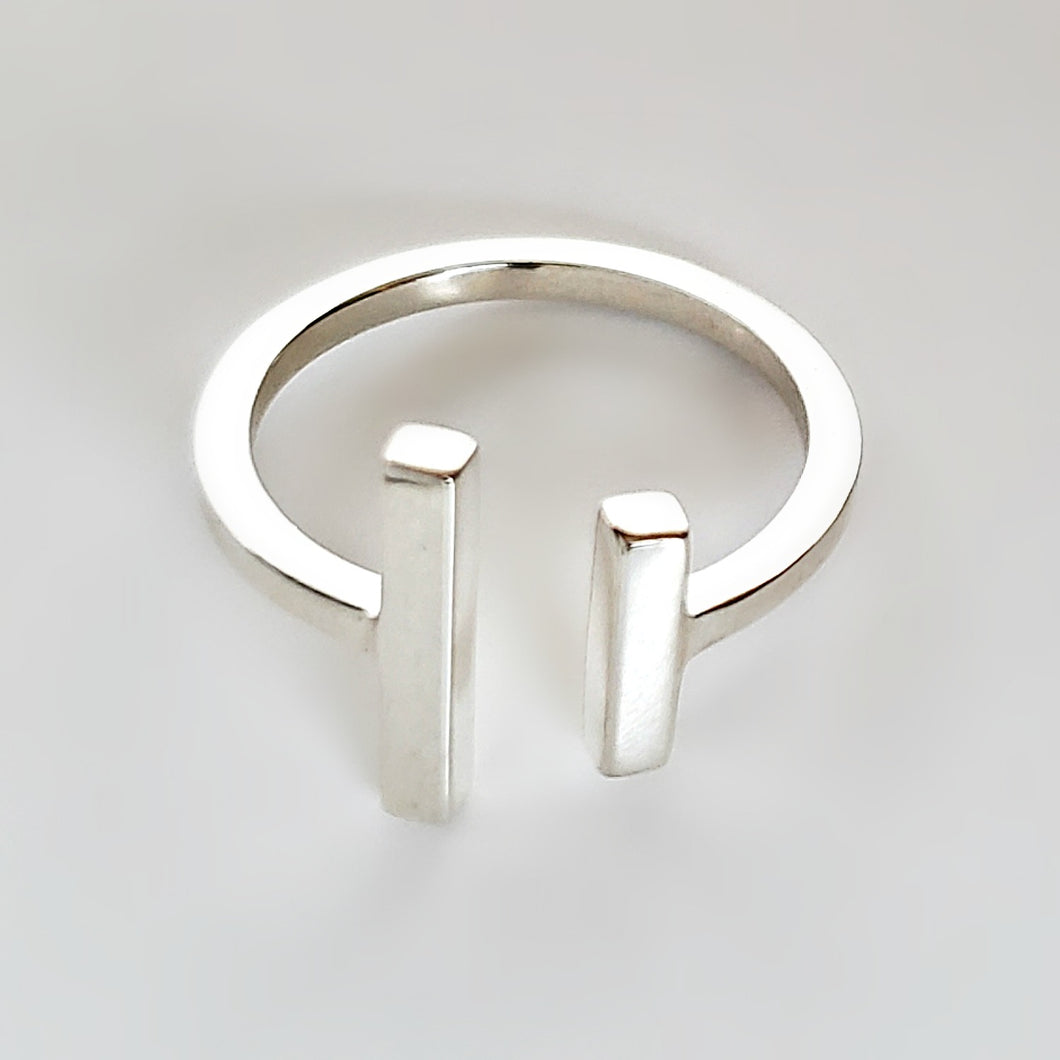 Sterling Silver Adjustable Bar Ring -- EF0190