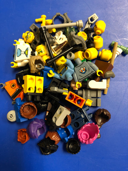 Bag of 10 Random Minifigs from Minifig Maker Table