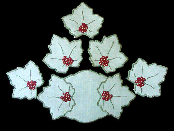 Vintage Embroidered Holly Berry Linens, 6 Piece Set