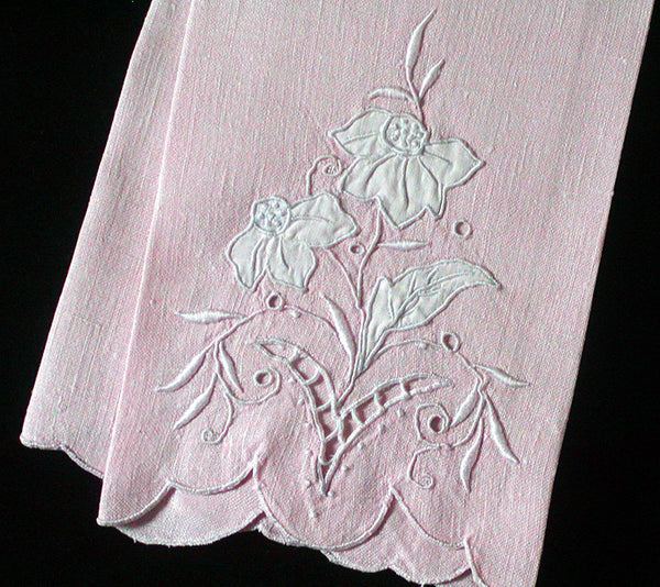 Embroidered Cutwork Pink Linen Madeira Vintage Guest Towel