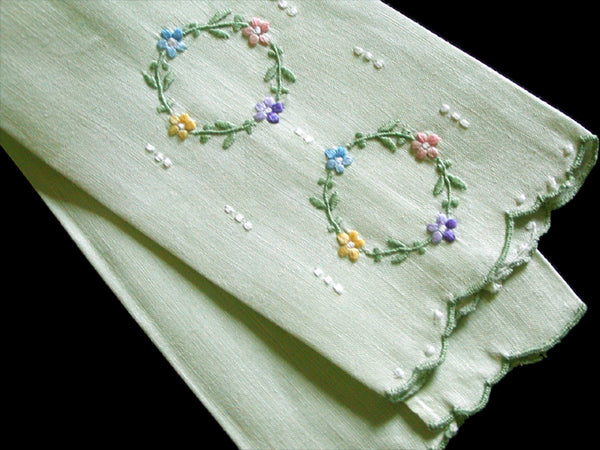 Double Wreath Vintage Madeira Embroidered Guest Towel, Green