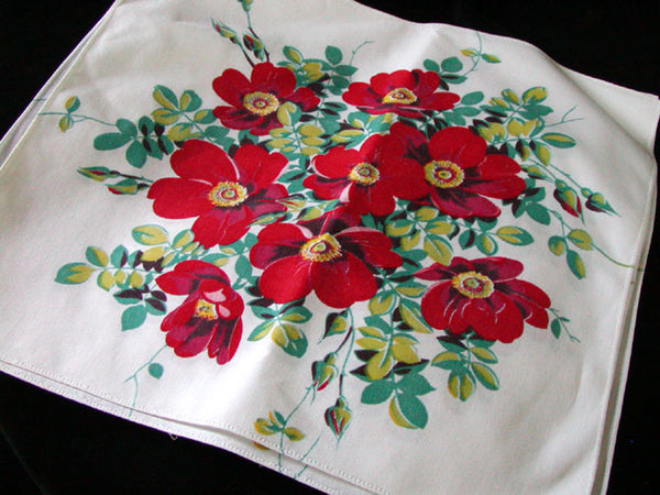 Red Wild Rose Wilendur Vintage Napkins, Set of 4