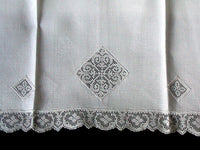 Damask Huck Linen Vintage Guest Towels Filet Lace Inserts, Pair