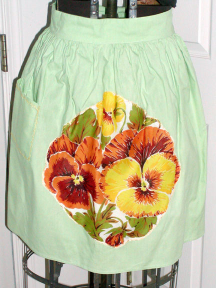 Light Green Cotton w Pansy Hanky Applique Vintage half Apron