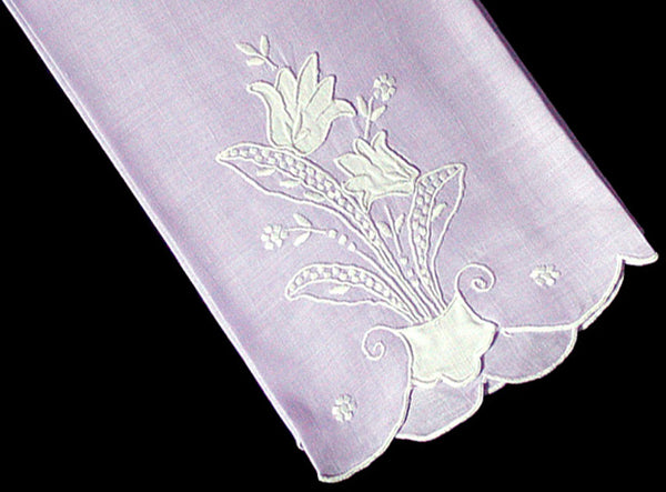 Lavender Madeira Embroidered Appliqued Linen Vintage Guest Towel