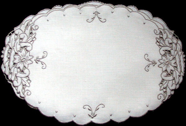 Madeira Vintage Linen Oval Placemats-Doilies 9x13, Set of 3